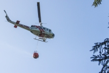 Cal Fire helicopter, Arcata Fire September 14. Photo by Ian Benjamin Finnegan Thompson